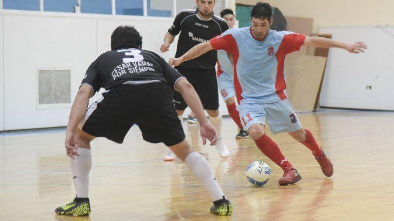 Club Social y Deportivo Arsenal derrotó 5-4 a Marbar.
