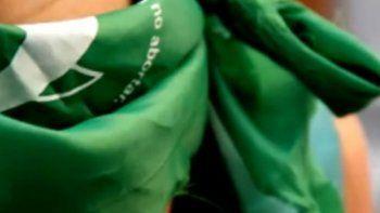 allanaron casas de militantes feministas por apologia al aborto