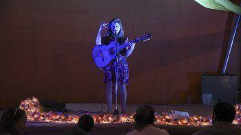 En la inauguración del festival, Laura Migliorisi brindó un entretenido repertorio de música para niños.