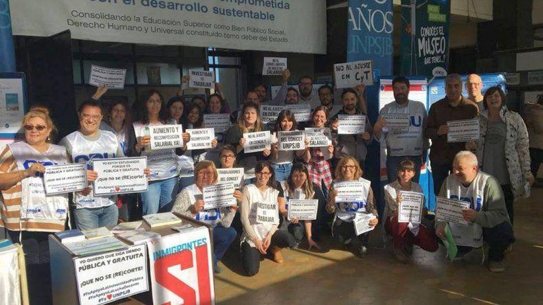 Feria de Ciencias contra el ajuste a la educación pública