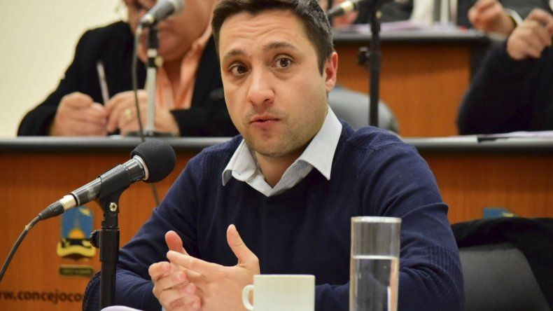 El concejal Nicolás Caridi cuestionó los incumplimientos de Aeropuertos Argentina 2000.