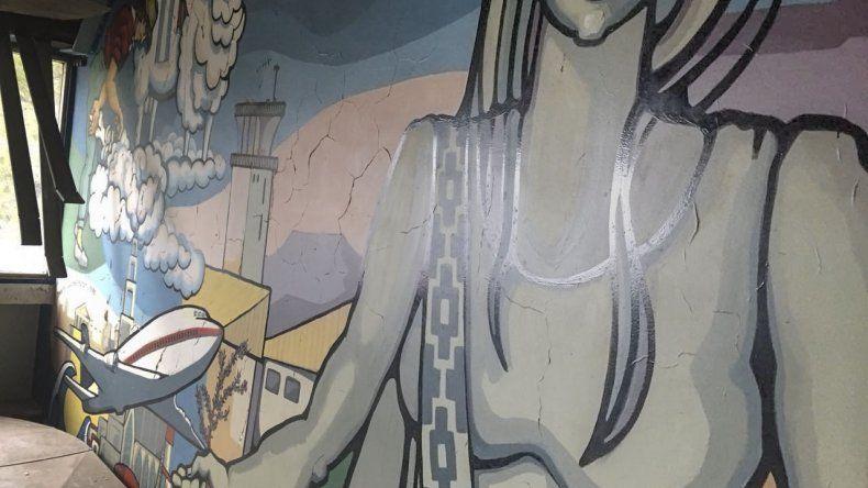 Los artistas plásticos junto a los arquitectos defienden el mural