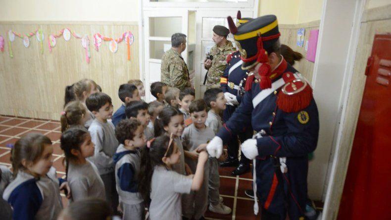 El intendente recibió la visita de Granaderos