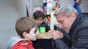 Mariano Arcioni participó ayer de diversas actividades que se desarrollaron en Comodoro Rivadavia como antesala del Día del Niño.