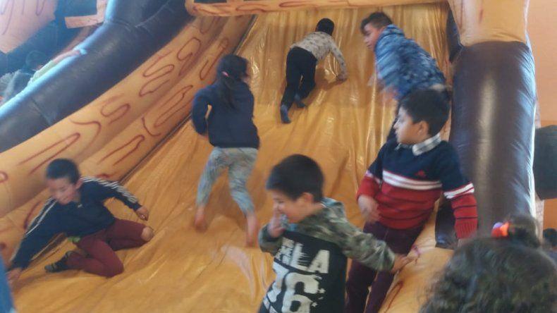 Comodoro Sobre Ruedas llevó alegría para niños de comunas rurales