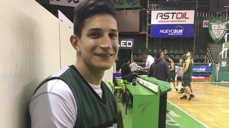 Franco Giorgetti luego del entrenamiento que Gimnasia realizó la noche del lunes en el Socios Fundadores. (Foto: Ricardo Vargas).