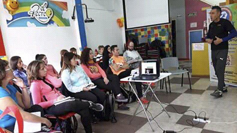 Martín Proust junto a los participantes de la 1° certificación de rehabilitación por el ejercicio.