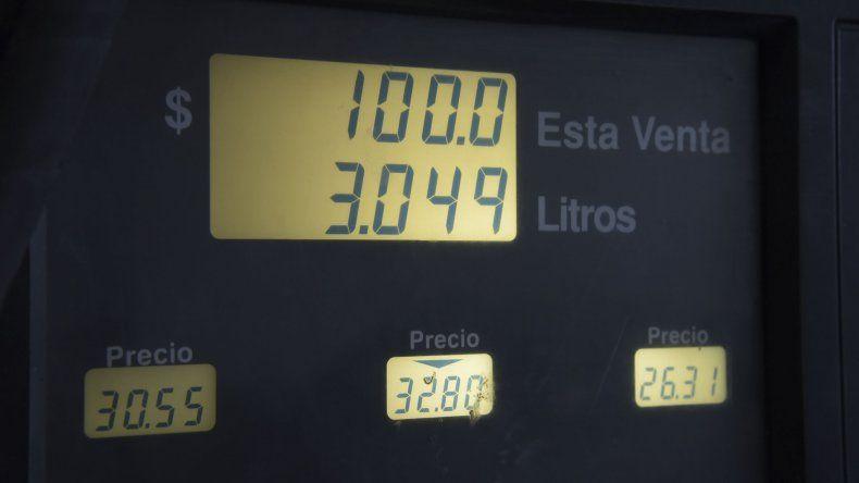 Los precios que exhiben los surtidores en Comodoro Rivadavia.