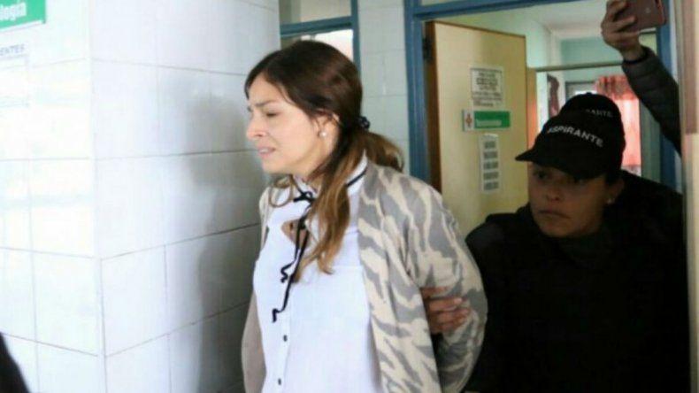Dos testigos complicaron a la mujer que mató a su novio rugbier