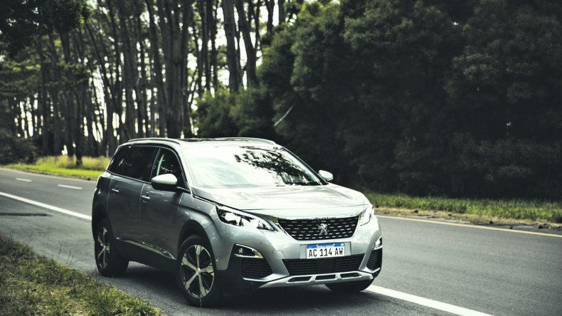 Peugeot 5008:  SUV con confort superior