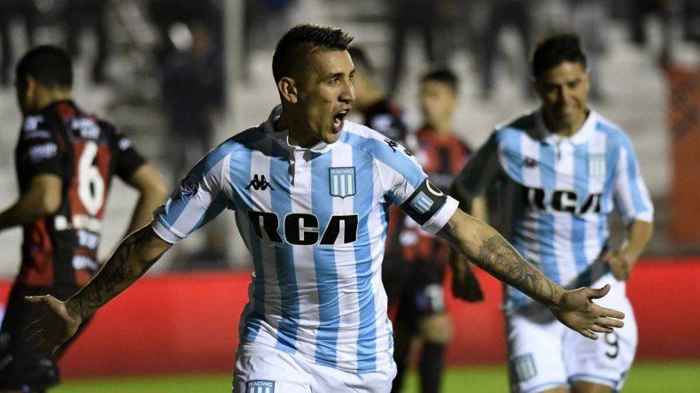Racing goleó a Patronato en su visita a Paraná