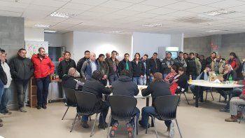 Llugdar encabezó una asamblea por  un despido injustificado en Sinopec