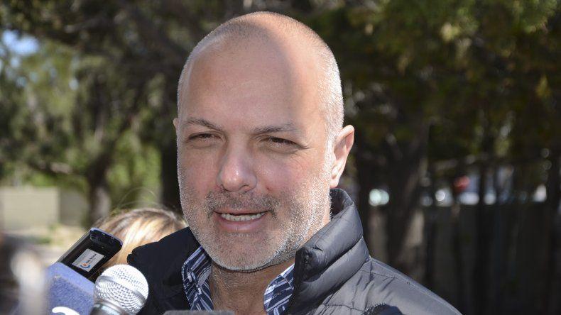 El exgobernador Martín Buzzi estaba acusado de malversación de fondos. Ayer fue absuelto.