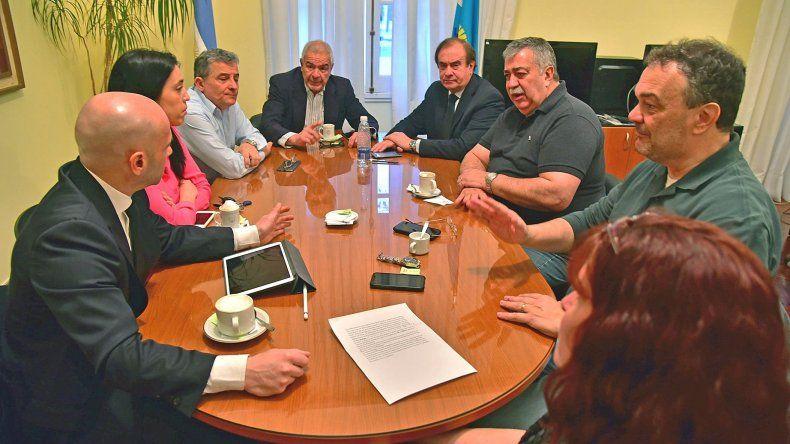 El Gobierno Provincial depositó los salarios de  los trabajadores de la Cooperativa Gualjaina