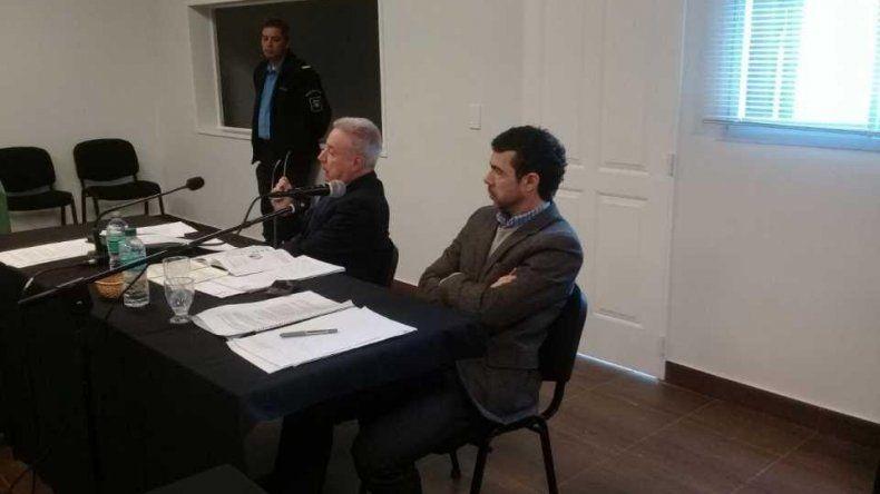 A Pablo Korn lo defiende su padre. El exfuncionario está sospechado por haber contratado en forma directa a quien sería su amigo para la provisión de material destinado a Comodoro Rivadavia.