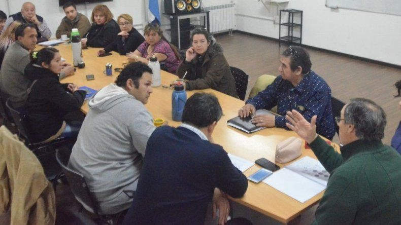 El encuentro que concejales mantuvieron ayer con los vecinalistas.