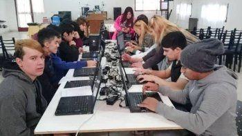 Más de 30 jóvenes se capacitaron en  Introducción al Mundo del Trabajo