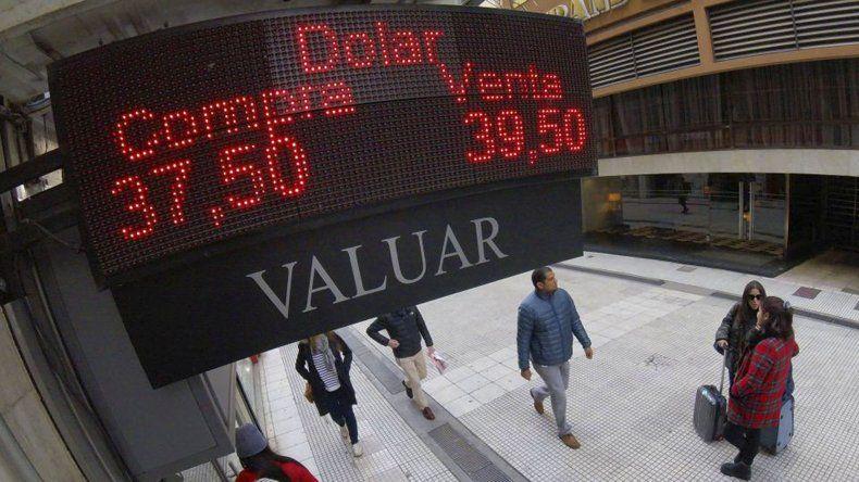 El mercado cambiario vivió ayer un día de menor tensión.