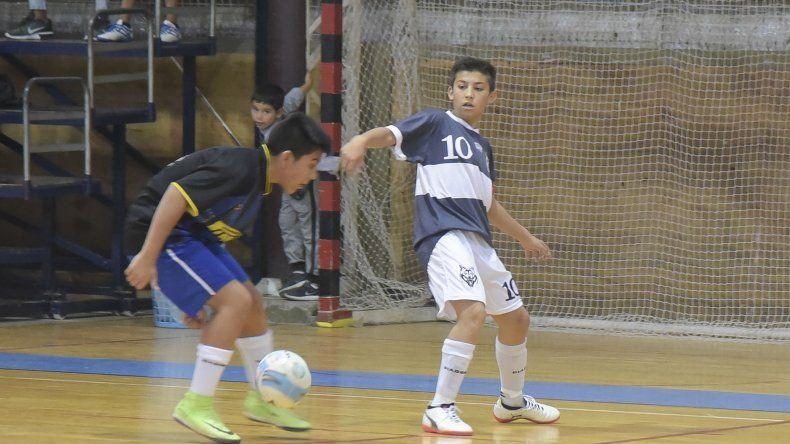 El fútbol de salón de la Asociación Promocional continuará esta tarde con más acción en el gimnasio municipal 2.