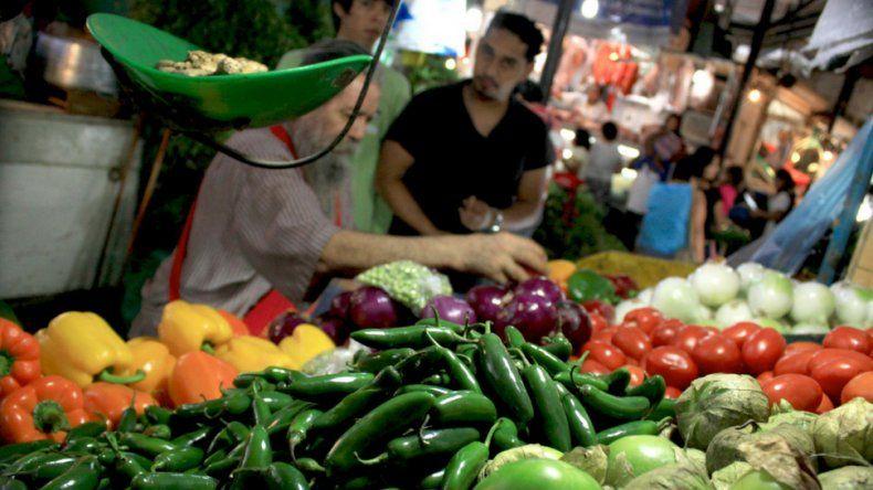 Los alimentos subirán un mínimo de un 13% por la megadevaluación