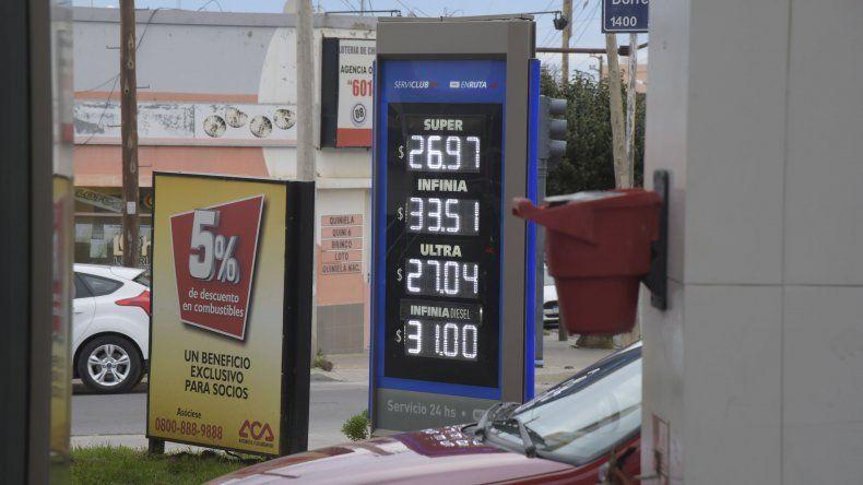 Con el nuevo aumento de los combustibles el litro de nafta Super cuesta 26