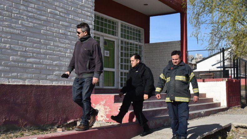 Los bomberos y un gasista matriculado revisaron todas las instalaciones y constataron que el alerta que se dio por una fuga de gas era falsa.