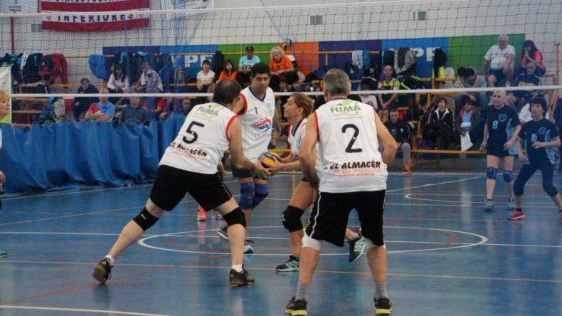 El newcom coronó el domingo a los campeones del Argentino que se disputó en instalaciones del gimnasio municipal 4.