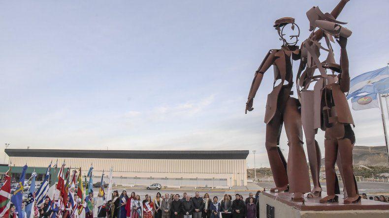 Las Comunidades Extranjeras celebraron el Día del Inmigrante con un acto en el Predio Ferial.