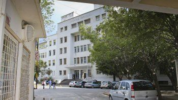 En el Hospital Regional persisten las demandas por las condiciones laborales.
