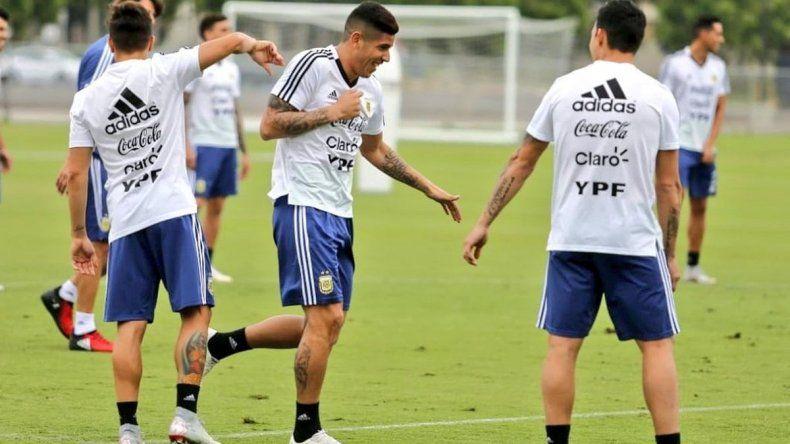 Argentina entrenó en Los Ángeles y Scaloni paró sus primeros once