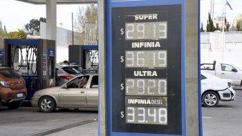 En Comodoro Rivadavia el nuevo aumento aplicado en los precios de los combustibles llevó el litro de la nafta Super a 29,13 pesos y el litro de la Premium a 36,19 pesos.