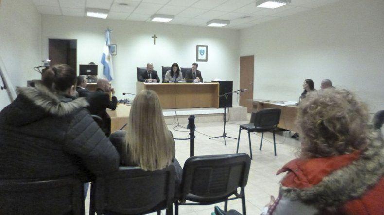 La lectura de la sentencia por parte del tribunal.