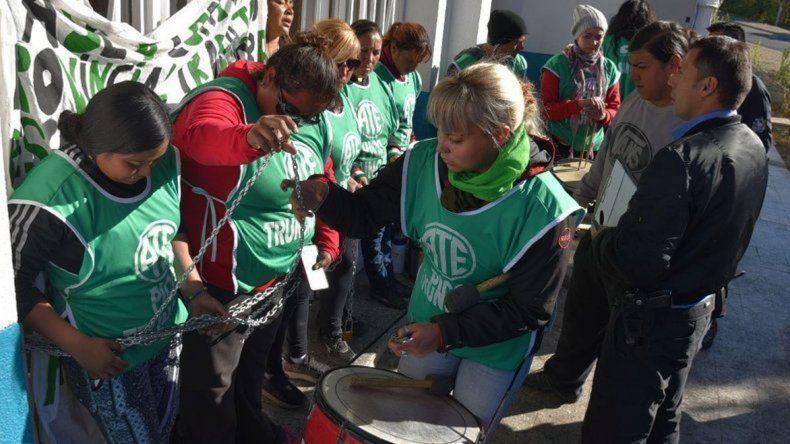 ATE Pico Truncado recolecta firmas para un nuevo hospital