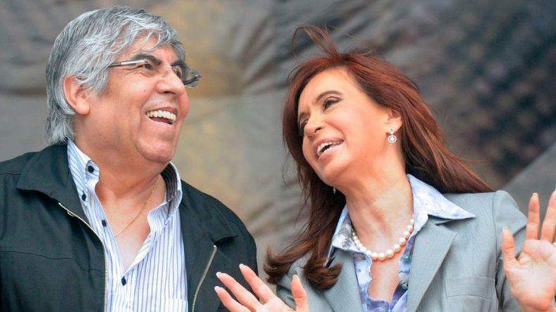 Hugo Moyano y Cristina Fernández en otros momentos en que se mostraban unidos.