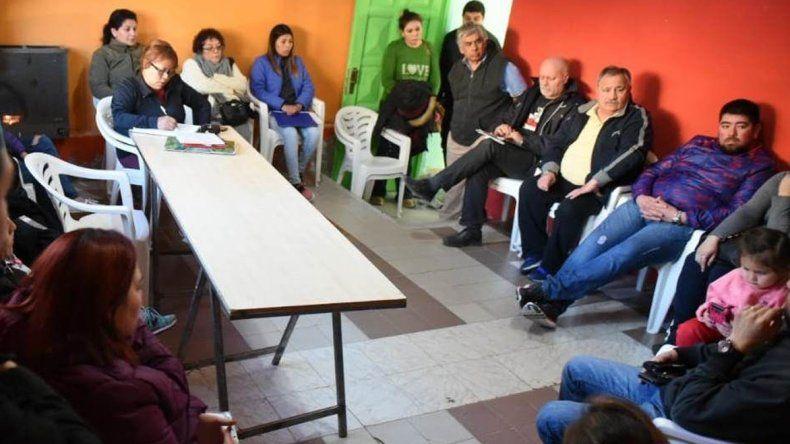 Coordinan la metodología para regularizar lotes en barrio Laprida