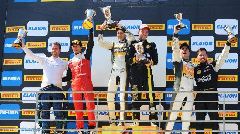 El podio del TC2000 liderado por los hermanos Santiago y Manuel Mallo. Foto: Prensa TC2000.