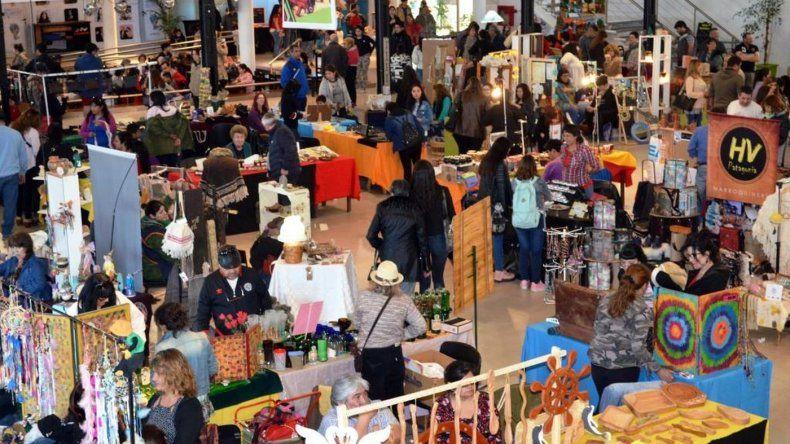 Con gran éxito se realizó la Feria de Artesanos en el Centro Cultural