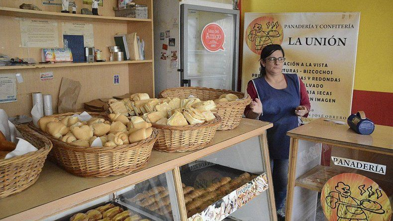 Uno de los comercios asaltados fue la panadería La Unión. Su propietaria