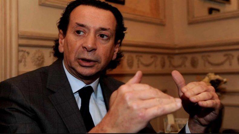 El ministro de Trabajo y Producción tuvo que salir a hablar ante la incertidumbre que genera la falta de un acuerdo con el FMI que respalde los anuncios de Macri.