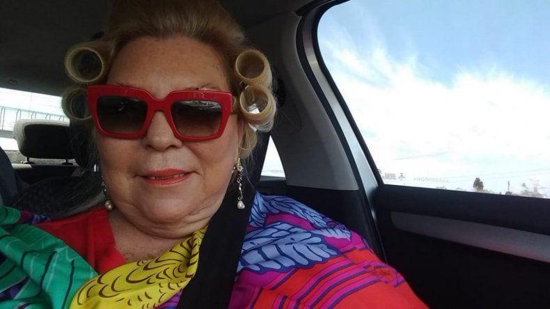 Peluquería móvil: otro insólito tuit de Carrió