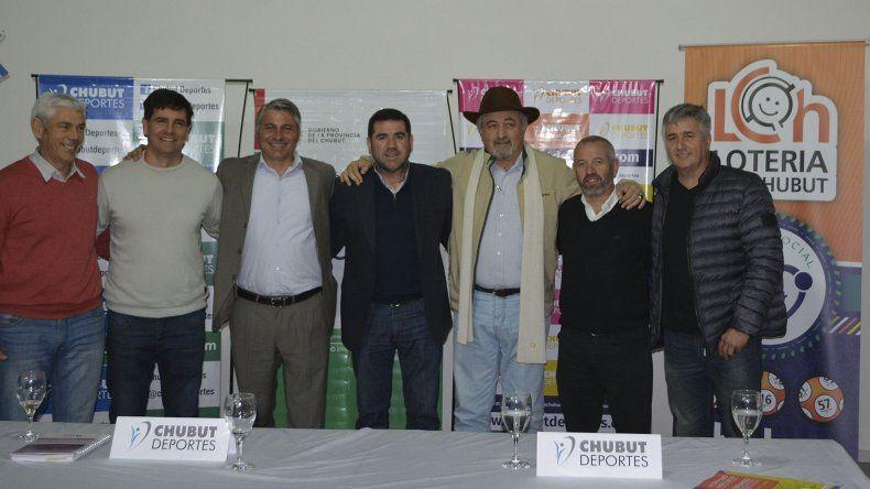 Funcionarios provinciales y municipales en la presentación del VI Simposio de Ciencias Aplicadas al Deporte.