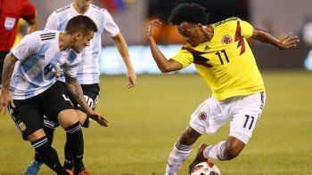 argentina cerro la gira con un empate frente a colombia