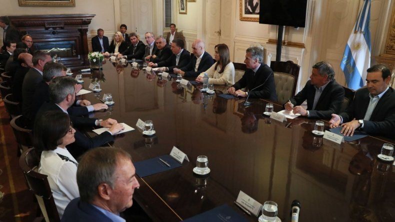 Arcioni reclamó por la reparación histórica, despidos en Senasa y Agricultura Familiar