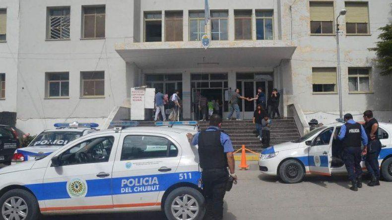 Dos detenidos por causar desorden en el Hospital