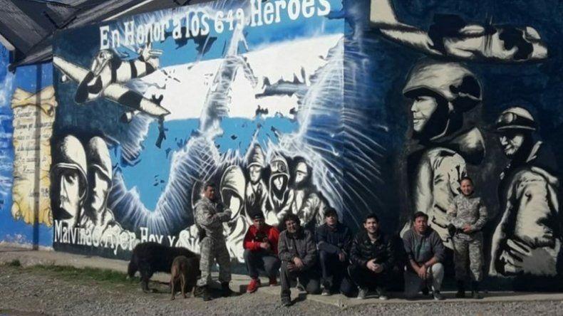 Reclusos de la alcaidía pintaron un mural en homenaje a los héroes de Malvinas