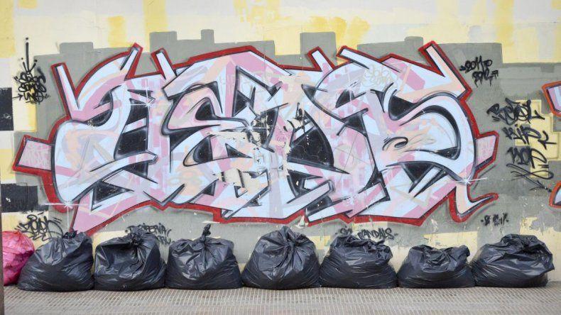 Por chatarra y basura en la vereda se pagarán multas de hasta 8 mil pesos
