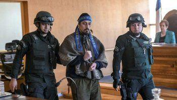 Facundo Jones Huala al ser trasladado para comparecer en la Corte de Apelaciones de Valdivia.