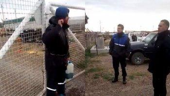 Trabajador petrolero amenaza con prenderse fuego tras ser despedido