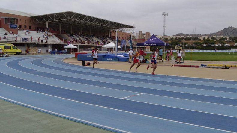 A los atletas comodorenses les queda solo una prueba para finalizar su participación en el Mundial Master que se lleva a cabo en España.
