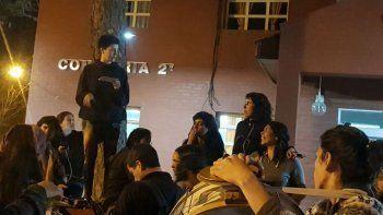 Siete detenidas en presentación de la película de Santiago Maldonado